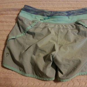 IVIVVA by Lululemon Run Speedy Lined Shorts Sz 10